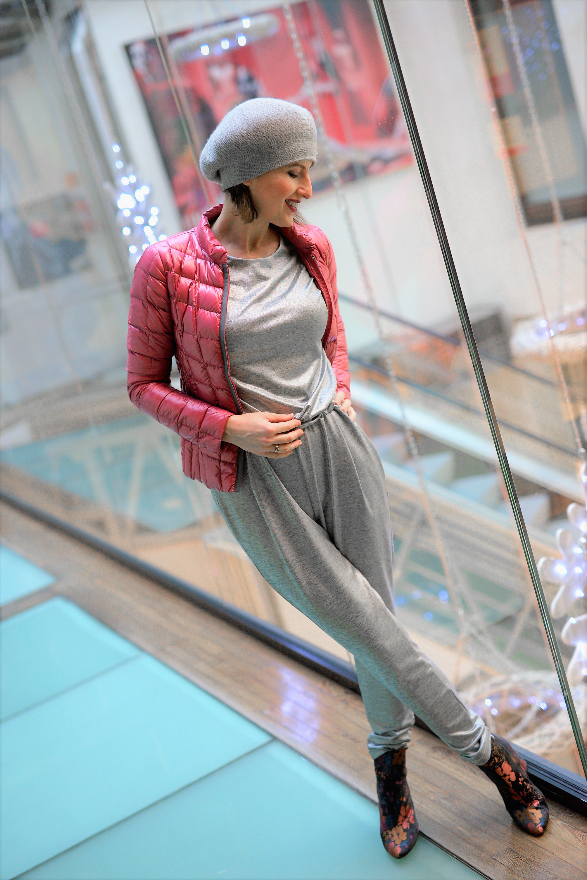 jumpsuit, silver trend, gray hat, pinot noir fashion