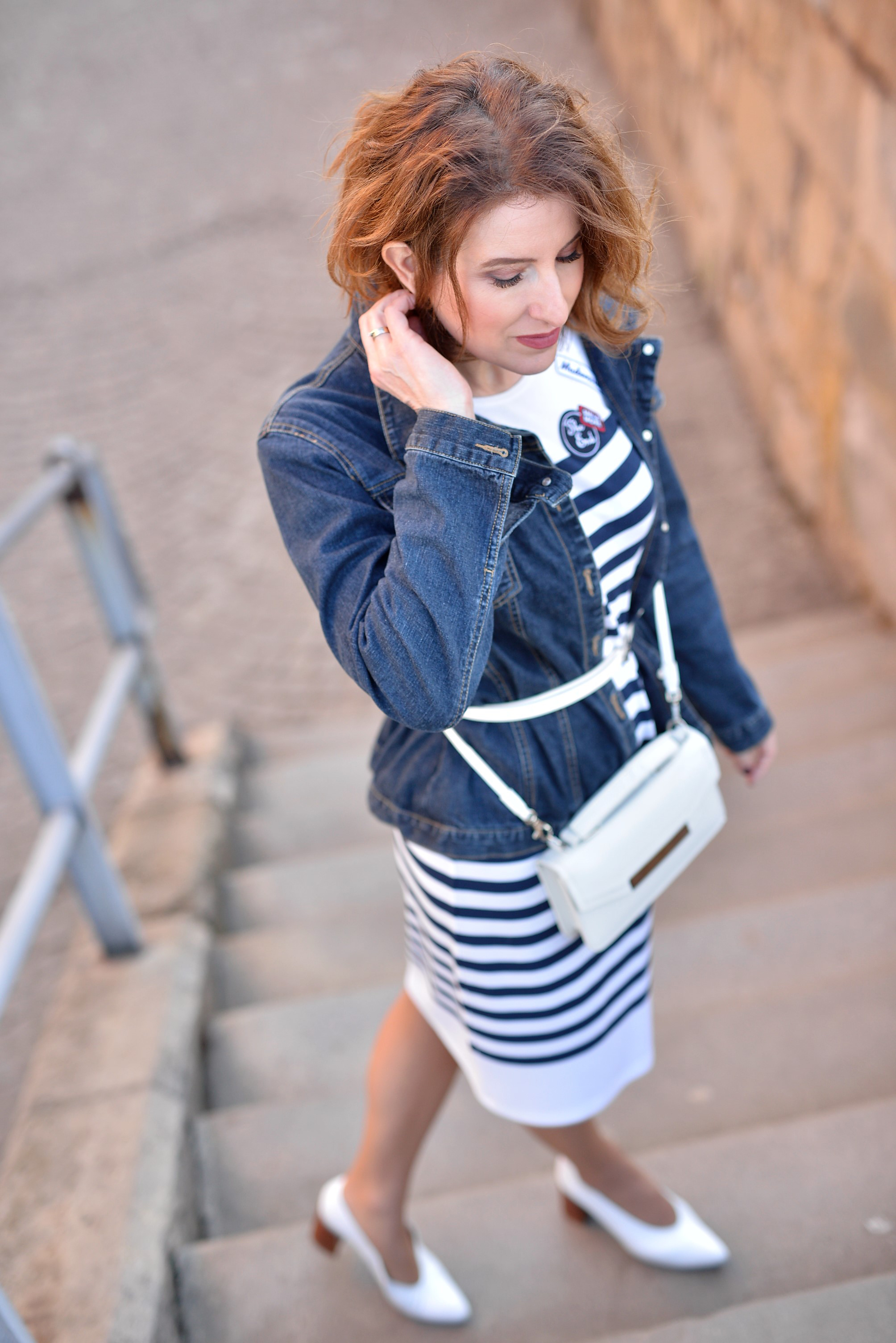 classic outfit, denim, stripes, sport dress, beige coat