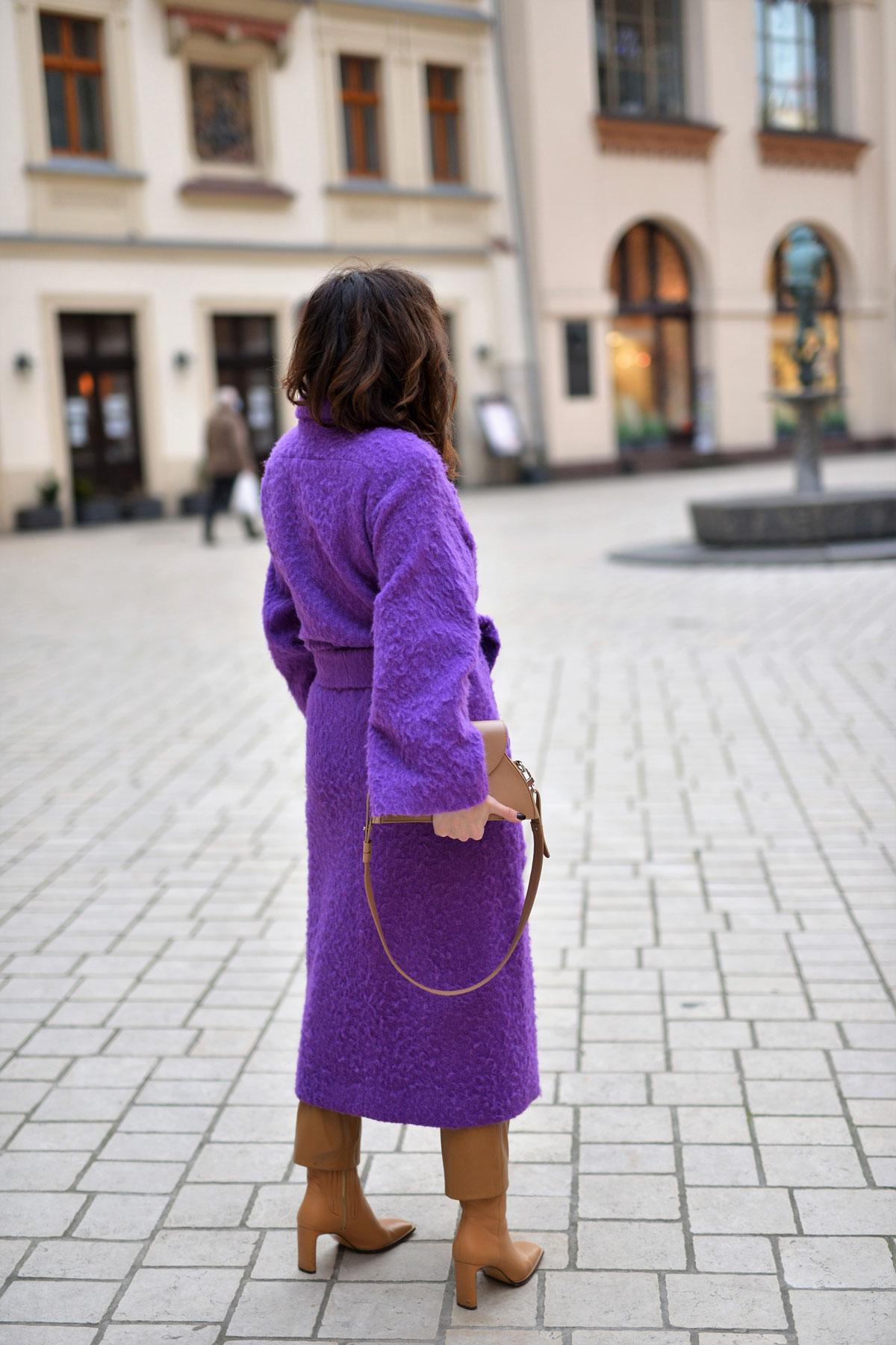 fioletowy-płaszcz-4